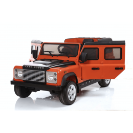 Land Rover Defender оранжевый